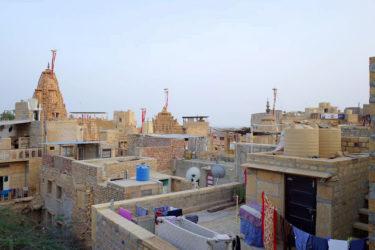 【インド】ジャイサルメールでだけ?!幻のマカニヤラッシーを砂の城で飲む|南アジア女子ひとり旅