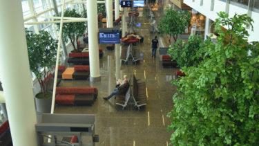 【カナダ】カルガリー空港で空港泊は可能か?当たり前じゃない、地球の歩き方