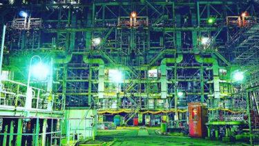 【川崎の工場夜景撮影スポット】川崎市民が選ぶ、魅惑の工場夜景は近未来的SF映画の世界!