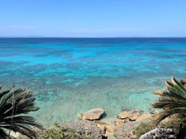 神秘の島『久高島』。地図のないサイクリングの向こうにみつけた、感覚と話す旅。
