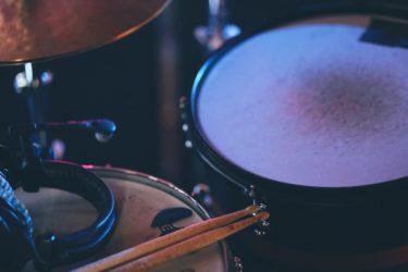 自宅練習時の騒音に最適な、ドラムの防振・防音対策をDIYしてみませんか?『床とメッシュヘッド編』
